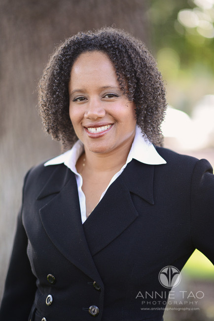 East-Bay-Commercial-Photography-executive-headshots-woman-in-black-suit-smiling