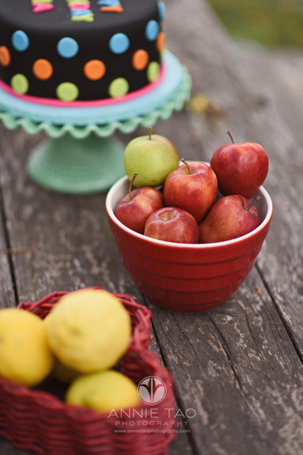 East-Bay-styled-photography-apples-and-lemons-on-picnic-table