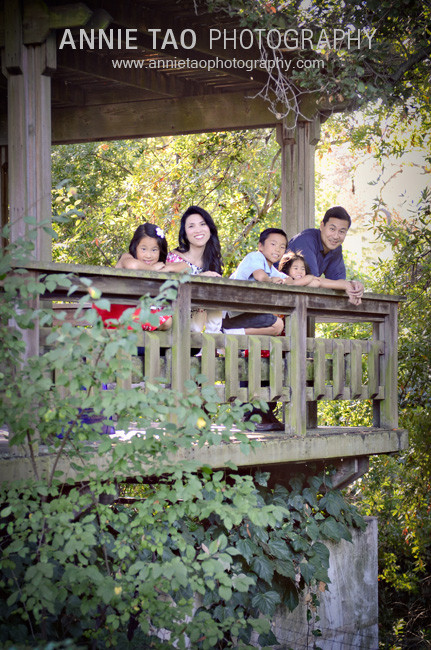 East-Bay-lifestyle-family-photography-family-of-five-in-teahouse-overlooking-creek