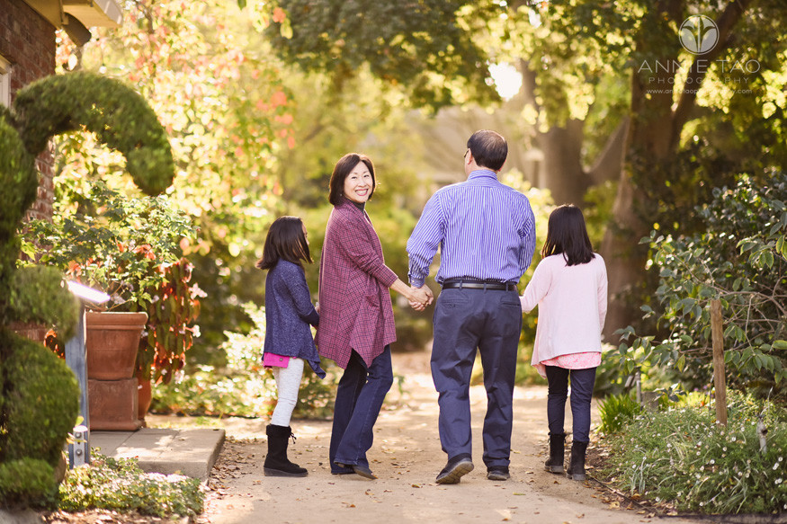Bay-Area-lifestyle-family-photography-grandparents-holding-hands-with-granddaughters-in-garden
