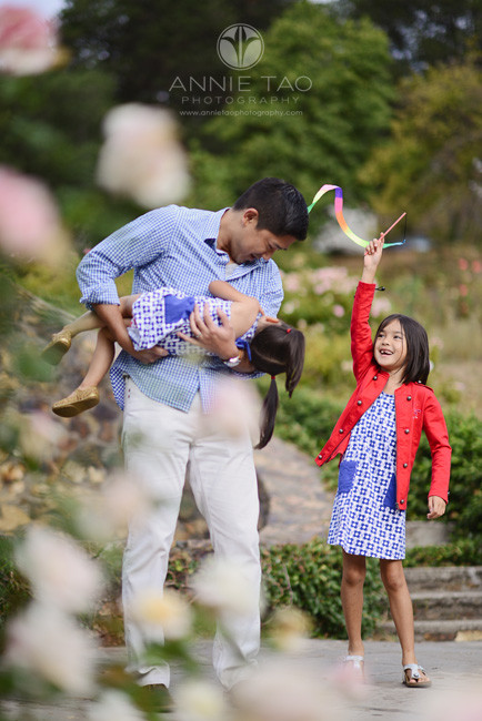 East-Bay-lifestyle-family-photography-father-playing-with-his-daughters