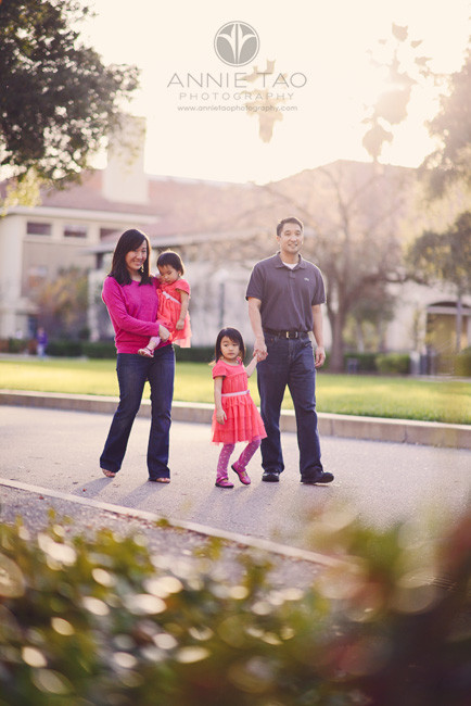 San-Francisco-Bay-Area-Palo-Alto-lifestyle-family-photography-family-walking-on-a-road