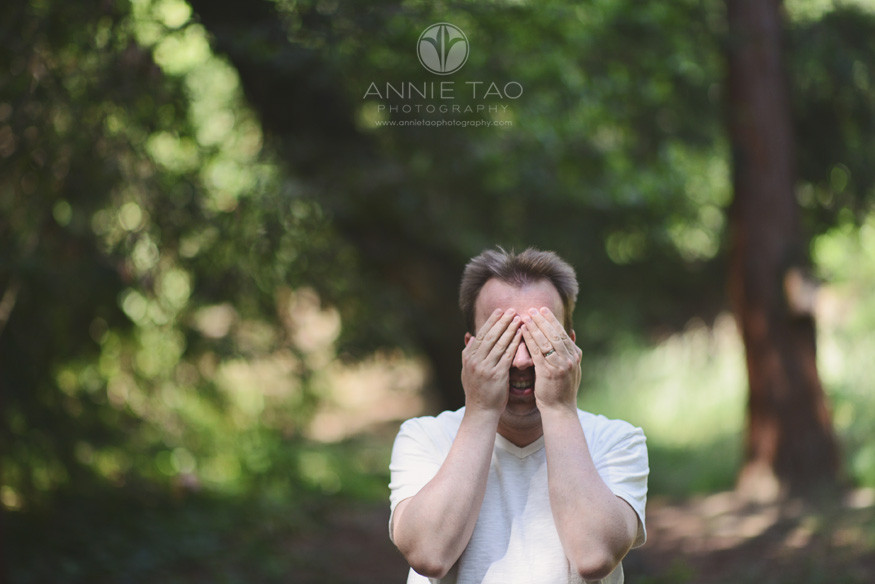 East-Bay-lifestyle-family-photography-father-covering-eyes-for-hide-and-seek