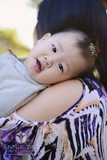San-Francisco-lifestyle-baby-photography-baby-leaning-backwards-to-look-at-me