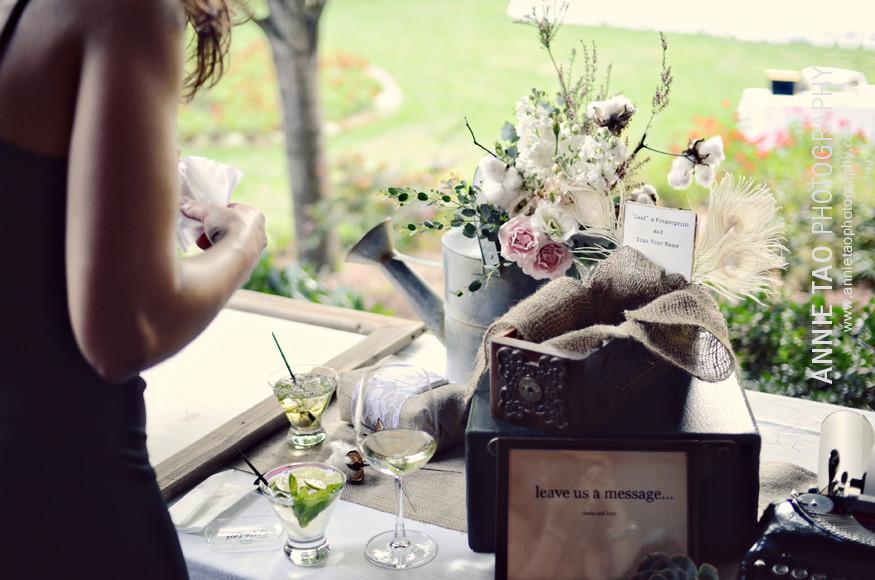 Los-Altos-Wedding-Photography-cocktail-hour-leaf-fingerprint-guest-book-Nestldown