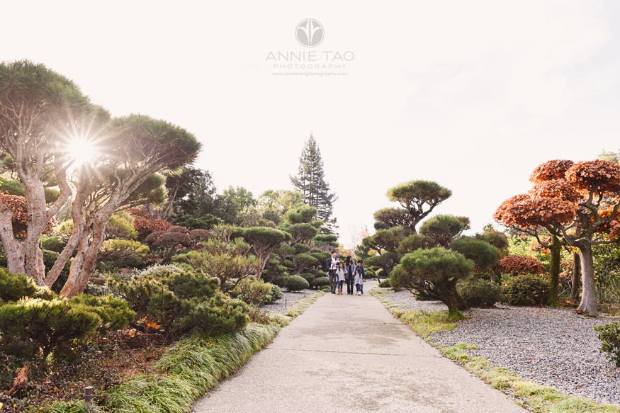 east-bay-lifestyle-family-photography-parents-with-four-kids-walking-in-japanese-garden