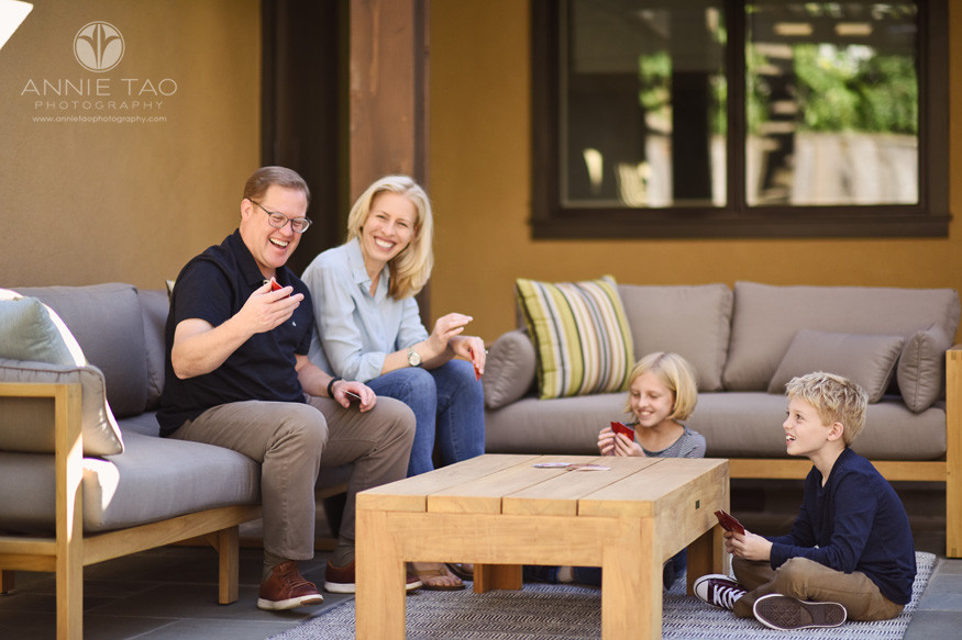 Bay-Area-lifestyle-family-photography-family-playing-games-in-backyard