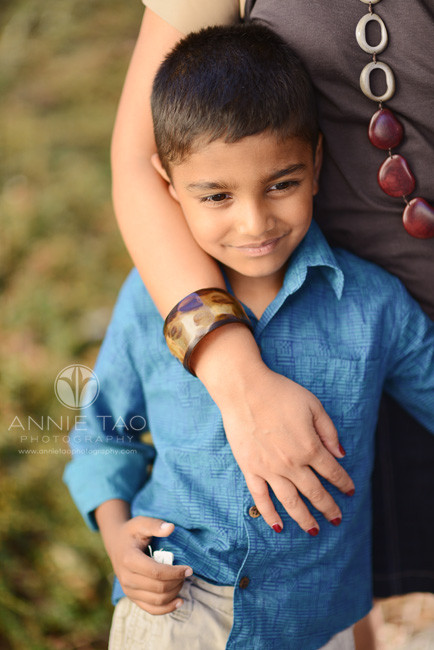 East-Bay-lifestyle-family-photography-young-boy-in-blue-standing-with-his-mom