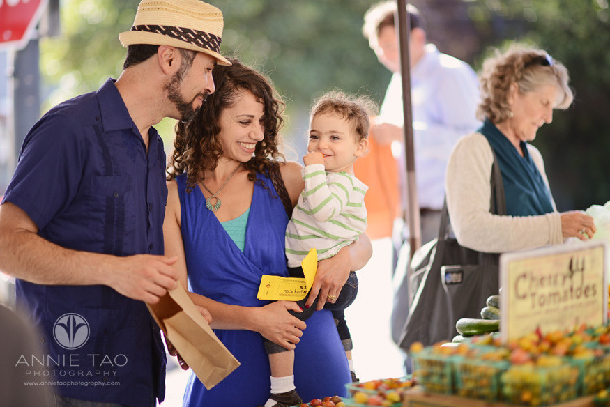 East-Bay-Commercial-Photography-family-with-market-match-scrip-shopping-at-Berkeley-farmers-market-Ecology-Center
