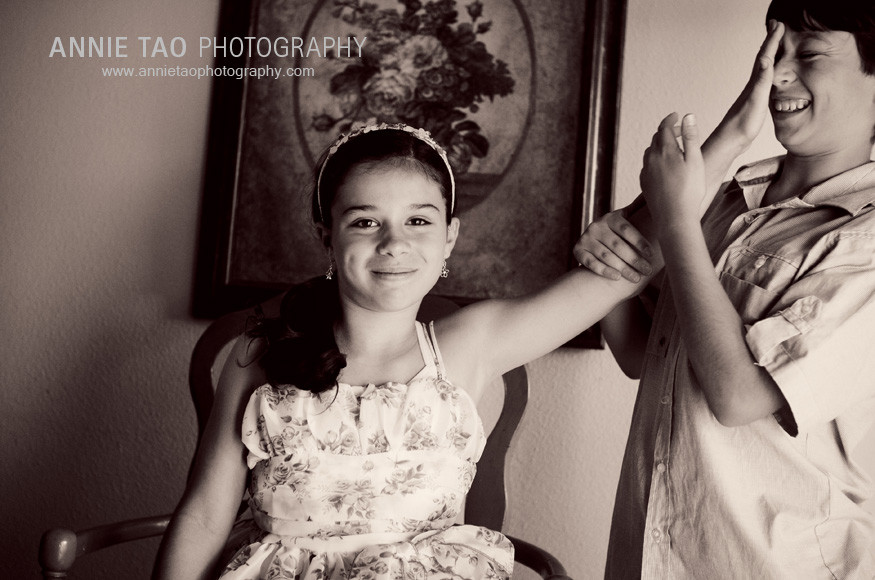 San-Francisco-Bay-Area-lifestyle-family-photography-sibling-playfulness