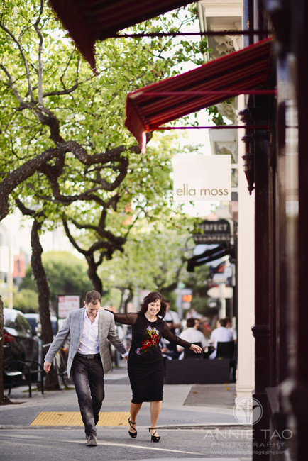 San-Francisco-lifestyle-engagement-photography-couple-having-fun-walking-together-by-stores