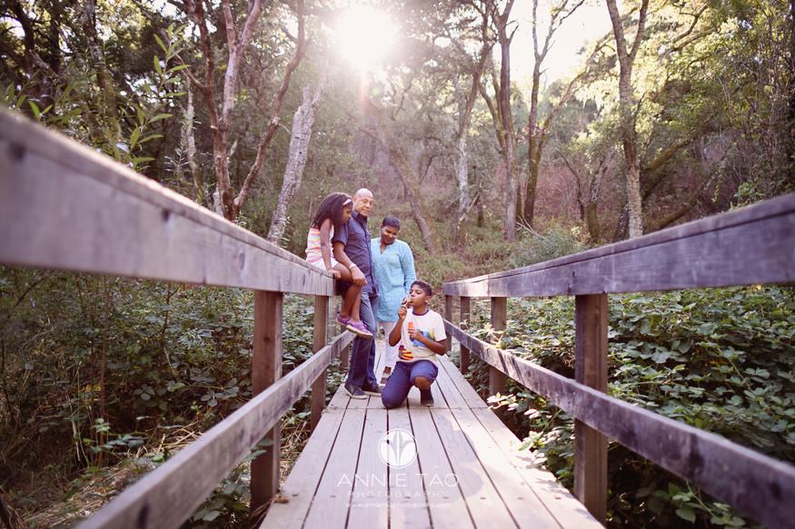Bay-Area-lifestyle-family-photography-family-on-bridge-towards-sunset