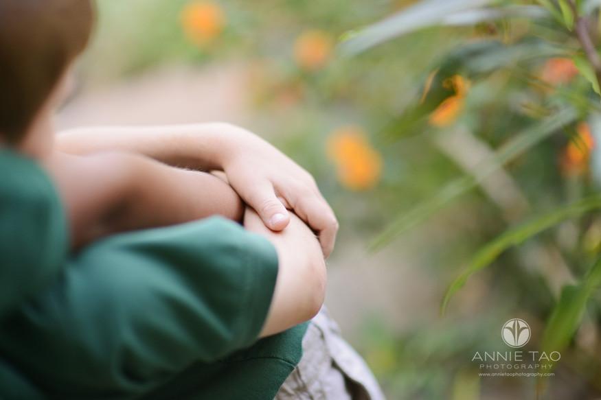 San-Francisco-Bay-Area-school-photography-friends-in-garden-arm-view