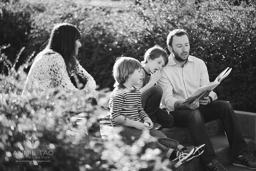 Bay-Area-styled-family-photography-father-reading-a-story-to-family-BxW