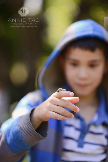 San-Francisco-Bay-Area-lifestyle-children-photography-boy-holding-caterpillar-on-finger