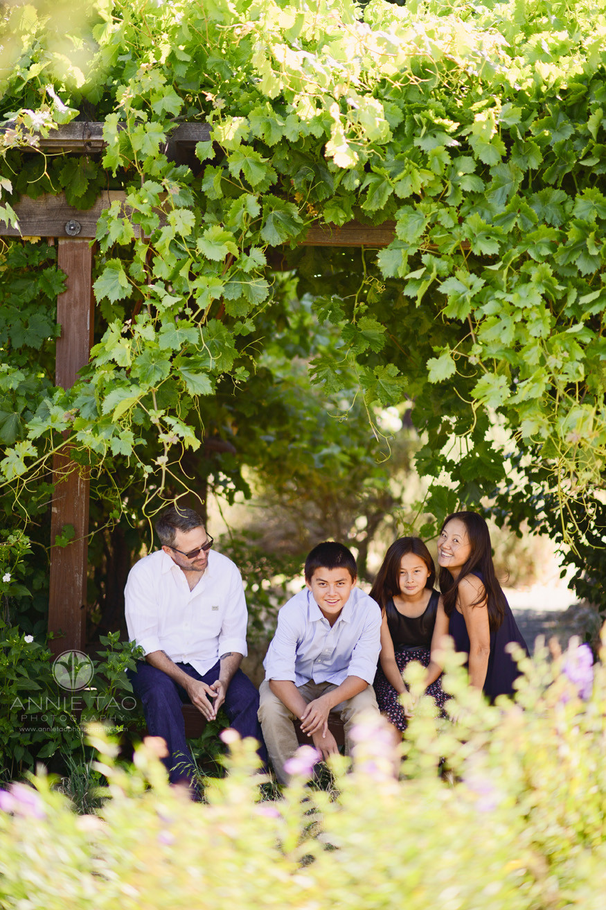 East-Bay-lifestyle-family-photography-family-sitting-by-vines