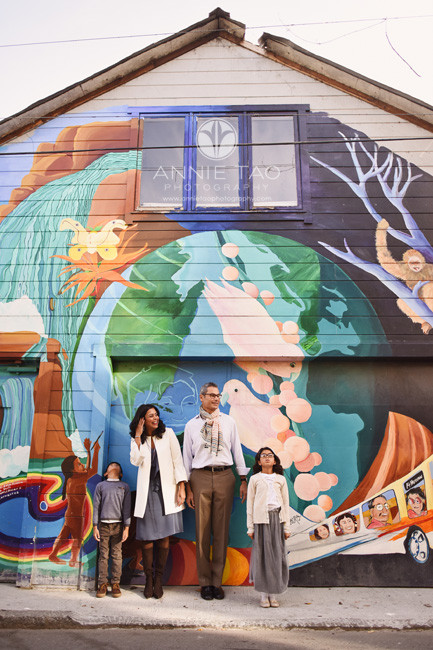 San-Francisco-lifestyle-family-photography-family-standing-by-colorful-mural