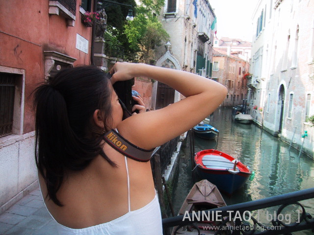 venecia-a-taking-photo_bg