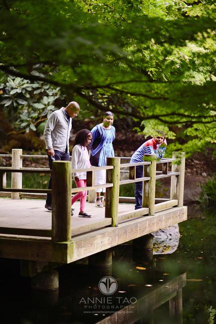 san-francisco-lifestyle-family-photography-family-looking-at-koi-pond