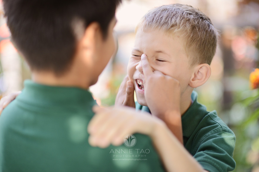 San-Francisco-Bay-Area-school-photography-boy-laughing-when-friend-points-at-him