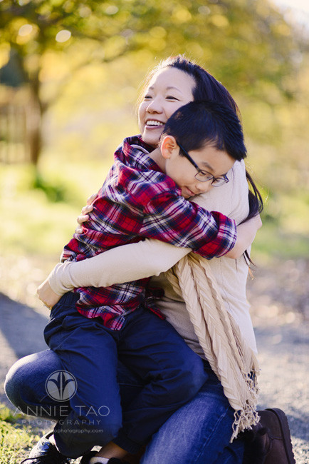 East-Bay-family-lifestyle-photography-mom-hugging-son