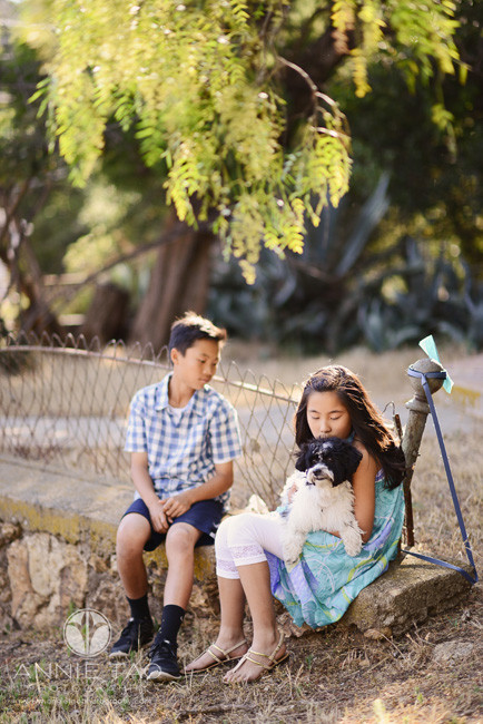 Bay-Area-lifestyle-children-photography-brother-watching-sister-kiss-puppy
