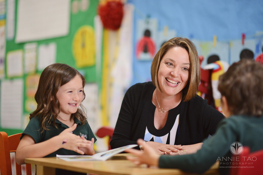 San-Francisco-Bay-Area-commercial-photography-kindergarten-teacher-interacting-with-students-at-table