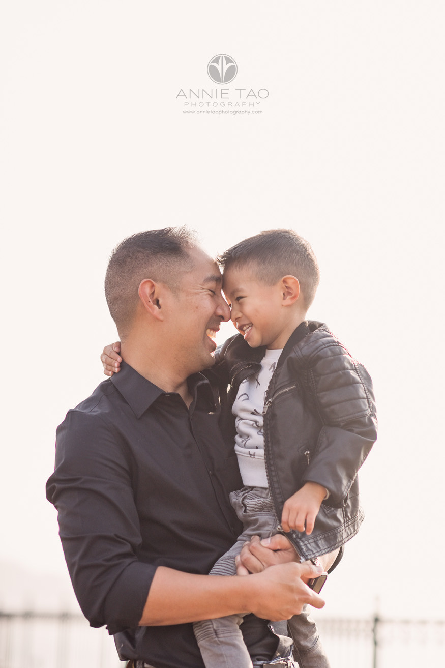 San-Francisco-lifestyle-family-photography-father-holding-son-with-touching-noses-2-HORIZ