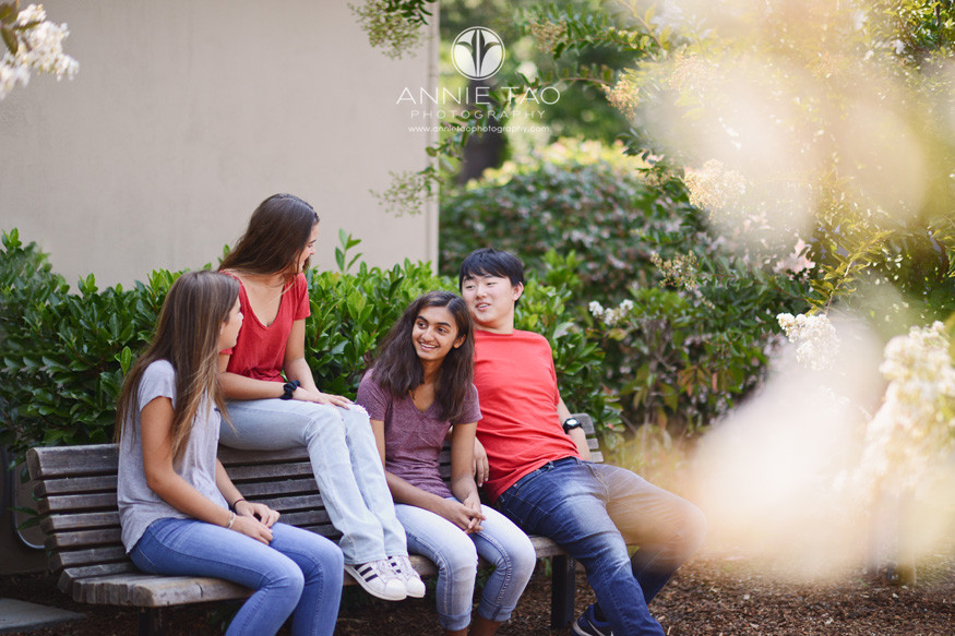 San-Francisco-Bay-Area-school-photography-High-School-students-hanging-out-on-bench