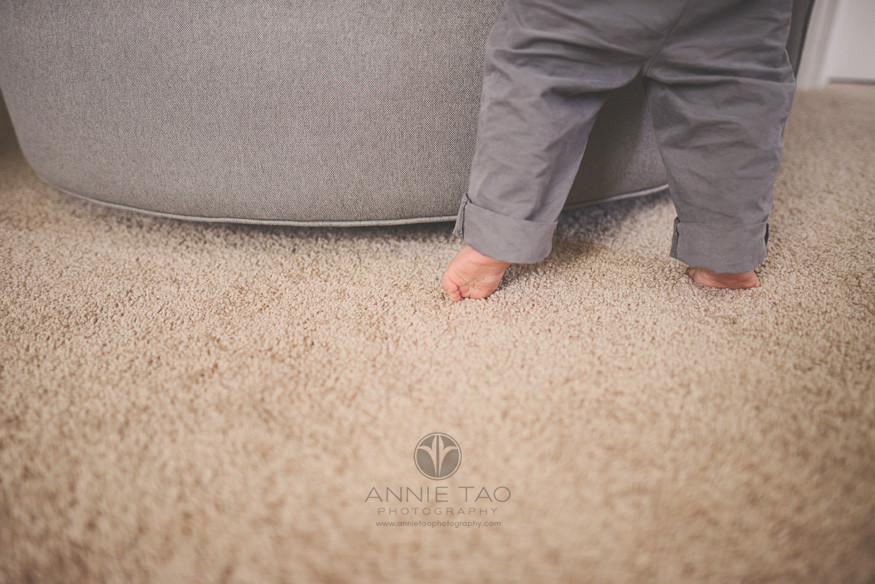 South-Bay-lifestyle-baby-photography-baby-tippytoeing