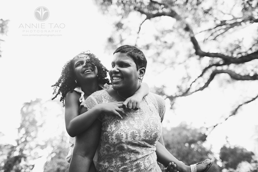 Bay-Area-lifestyle-family-photography-mother-giving-daughter-a-piggyback-ride-BxW