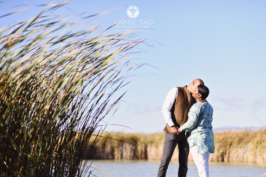 South-Bay-lifestyle-couple-photography-man-kissing-woman-in-marshland