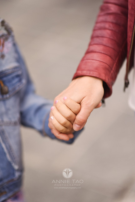 San-Francisco-lifestyle-family-photography-mother-and-daughter-holding-hands