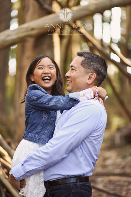 San-Francisco-lifestyle-family-photography-father-hugging-daughter-1