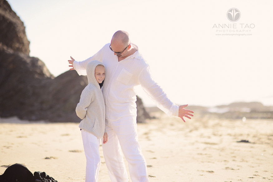 Bay-Area-Half-Moon-Bay-lifestyle-family-photography-father-playing-with-son-at-beach