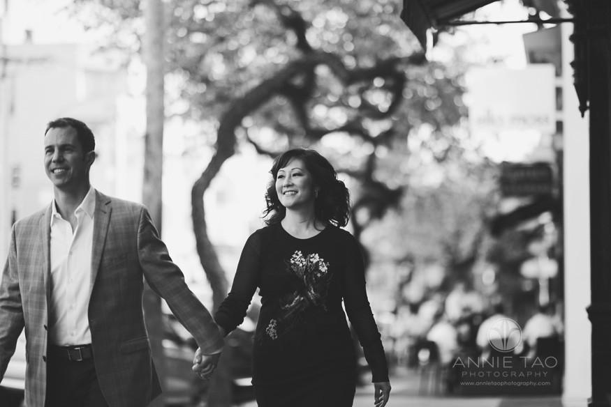 San-Francisco-lifestyle-engagement-photography-couple-walking-on-sidewalk-BxW