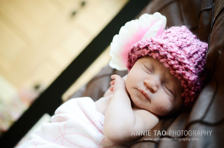 San-Francisco-newborn-photography-baby-with-pink-hat