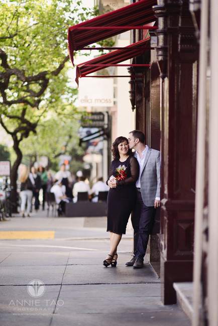 San-Francisco-lifestyle-engagement-photography-couple-snuggling-by-city-wine-bar