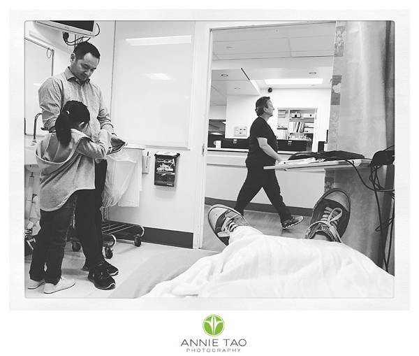 East-Bay-photojournalism-view-of-patient-in-ER-BxW