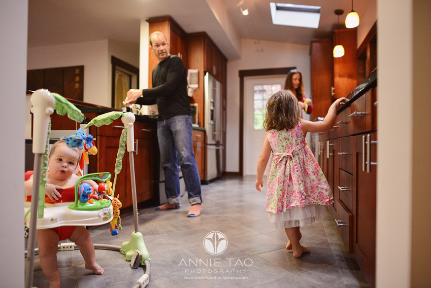 North-Bay-Marin-lifestyle-family-photography-family-of-four-in-kitchen