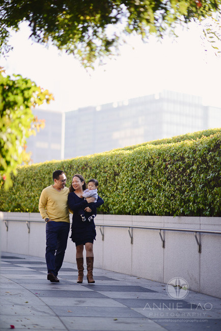 San-Francisco-lifestyle-family-photography-couple-walking-down-ramp-with-baby