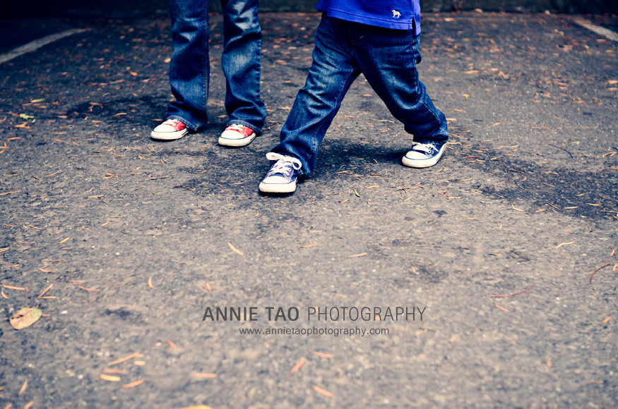 East-Bay-lifestyle-family-photography-kids-matching-shoes