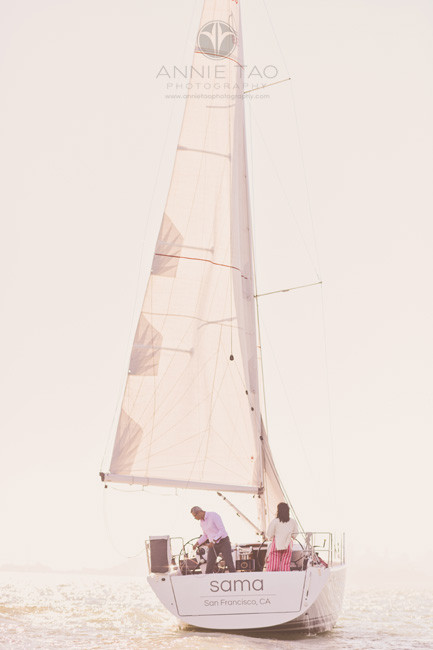 San-Francisco-lifestyle-family-photography-sailing-in-bay-with-golden-sunflare