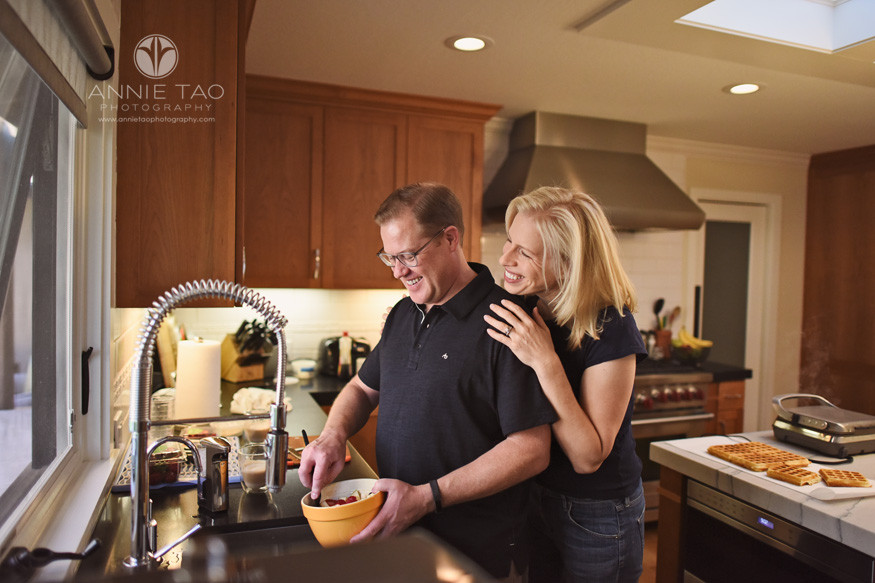 Bay-Area-lifestyle-family-photography-couple-cooking-in-kitchen