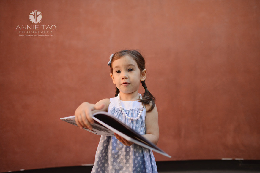 san-francisco-lifestyle-children-photography-young-girl-holding-star-wars-book