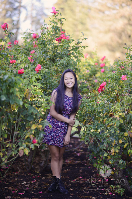 South-Bay-lifestyle-teen-photography-girl-in-rose-bushes