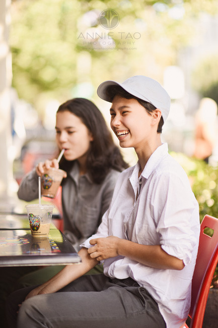 San-Francisco-Bay-Area-lifestyle-teen-photography-sipping-drinks-at-cafe-in-downtown-Palo-Alto