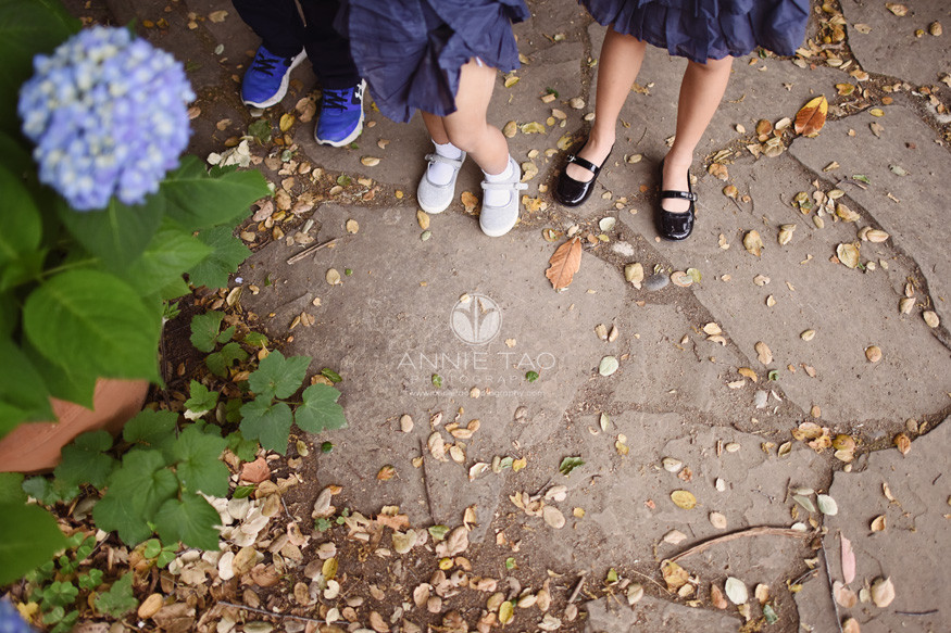 Bay-Area-lifestyle-children-photography-three-siblings-feet