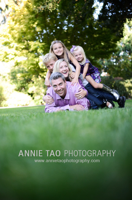 South-Bay-lifestyle-family-photography-family-piled-onto-dad