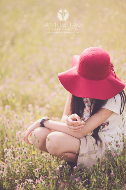 east-bay-lifestyle-children-photography-girl-with-hat-picking-wildflowers